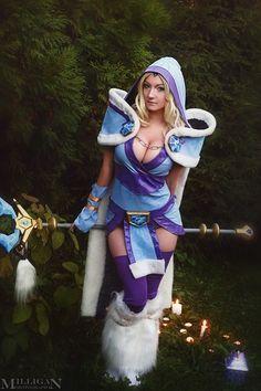 Crystal Maiden from DotA 2 | Cosplayer: DesireeSkai | Photographer: MilliganVick