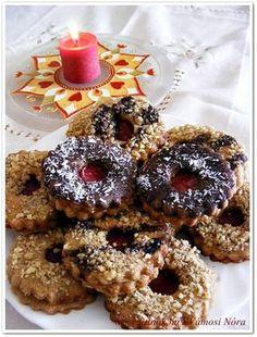 Linzer teljes kiőrlésű lisztből (Fitt nők) Diabetic Recipes, Diet Recipes, Healthy Recipes, Doughnut, Cookie Recipes, Biscotti, Breakfast Recipes, Clean Eating, Food And Drink