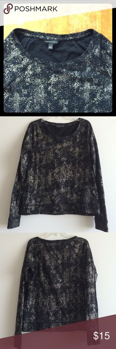 Rock & Republic light sweatshirt top Metallic snake print on black 100% cotton. This top is not thick but is constructed like a sweatshirt- baseball sleeves and stitching along sleeve bottom and bottom hem. Excellent condition- like new! Rock & Republic Tops Tees - Long Sleeve