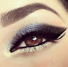 Winged eyeliner and eyeshadow Beauty Make Up, My Beauty, Beauty Hacks, Hair Beauty, Beauty Tips, Beauty Ideas, Beauty Stuff, Makeup Tips, Hair Makeup