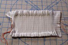 "Ney Ney's Nest: ""Spring Smock-Along""-Picture Smocking Part 1 Smocking Plates, Smocking Patterns, Dress Sewing Patterns, Skirt Patterns, Coat Patterns, Blouse Patterns, Punto Smok, Smocks, Sewing Coat"
