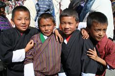 Thimphu Tsechu - Niños en su mejor ghos © gs