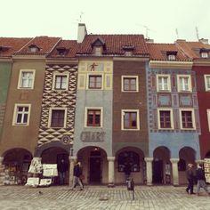 #poznan #rynek #zwiedzanie #weekend #polska #Poland #Polen #Stadt #Markt #Wochenende #happy #kolory #colour #bunt #colourful #City #market #Center #square #happiness #joy #kamienice #arkady #photoart #city_view by dariuszkra