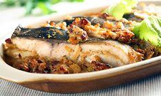 KAPR NA VÍCE ZPŮSOBŮ Chili, Pork, Menu, Ethnic Recipes, Kale Stir Fry, Menu Board Design, Chile, Chilis, Pork Chops
