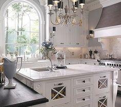 love big windows in the kitchen