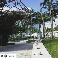 Lugares para visitar!!! #Repost @twosw with @repostapp  Follow the path to discover a new world. #newworldsymphony #miami #miamibeach #roadtrip #culturematters #Miami #realestate #geocityrealty #Homes #homecrealty by paulajimenezrealty