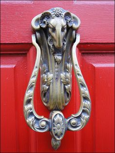 Minchinhampton ... ram knocker in West End. | bazzadarambler | Flickr