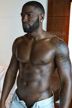 Image in Black men/ My mans. Fine Black Men, Gorgeous Black Men, Hot Black Guys, Black Boys, Fine Men, Most Beautiful Man, Hot Guys, Black Man, Donny Savage