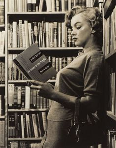 Marilyn Monroe reading Arthur Miller