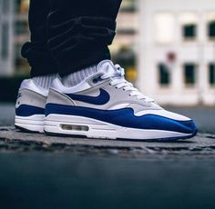 Can someone Identity these Air Max 1s? Can't find this colorway anywhere to