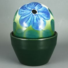 Heljä Liukko-Sundström (Arabia 1991) Gorgeous flower egg