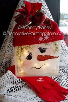Cozy Cube ePacket - Wendy Fahey - PDF DOWNLOAD #PaintedGlassBlock #SnowmanGlassBock #GlassBlockSnowman Painted Glass Blocks, Decorative Glass Blocks, Lighted Glass Blocks, Christmas Glass Blocks, Noel Christmas, Christmas Ornaments, Snowman Crafts, Christmas Projects, Holiday Crafts
