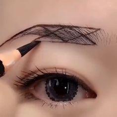 Fall Eye Makeup, Eyebrow Makeup Tips, Makeup Tutorial Eyeliner, Eye Makeup Steps, Eye Makeup Art, Beauty Makeup Tips, Smokey Eye Makeup, Skin Makeup, Amazing Makeup