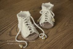 Crochet baby gladiator sandals, baby sandals, peep toe shoes, baby booties, shoes, cream, beige, 0-3 months, 3-6 months, gift for baby, idea by EditaMHANDMADE on Etsy https://www.etsy.com/uk/listing/384516386/crochet-baby-gladiator-sandals-baby