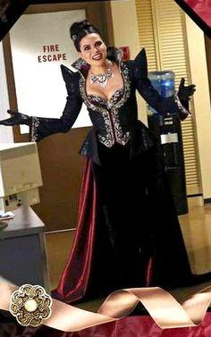Love Regina's Evil Queen outfits