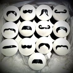 mustache cupcakes: @Brianna Phillips, next year, your birthday, I shall make these.