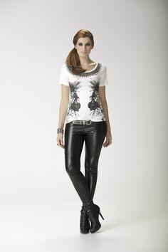 13.658 - T-shirt Colares / 1913 - Legging frente de couro www.espacomargo.com.br Moda Feminina