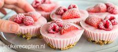 Yoghurt, muesli en fruit in de vorm van een muffin; een heerlijke koude variant op je favoriete ontbijt!
