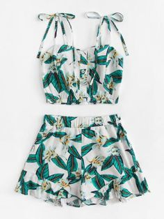 Search for floral print shorts at ROMWE. Discover the latest women and men's fashion online Clueless Outfits, Sexy Outfits, Chic Outfits, Summer Outfits, Summer Dresses, Girls Fashion Clothes, Girl Fashion, Fashion Dresses, Stylish Dresses For Girls