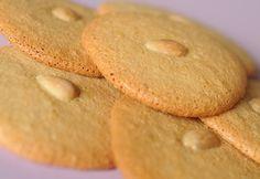 Mandulás puszedli recept képpel. Hozzávalók és az elkészítés részletes leírása. A mandulás puszedli elkészítési ideje: 36 perc Pavlova, Quinoa, Muffin, Gluten Free, Sweets, Cookies, Baking, Cake, Recipes