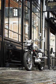 Triumph - Legend Motors