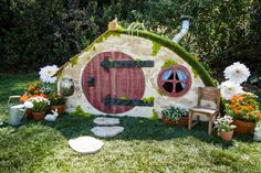 How To - DIY Hobbit Hole Playhouse | Home & Family | Hallmark Channel