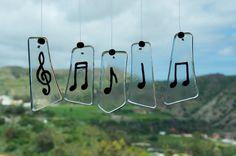 Móvil de viento  Notas musicales  Vidrio  por TuulaGiraldoArtGlass