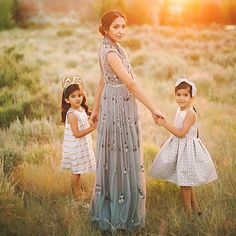 A beautiful photo and such a gorgeous mood. Gorgeous image of and her two daughters - both wearing Hucklebones. Photograph by Hope everyone is having a great weekend with your nearest and dearest. Family Picture Poses, Family Posing, Picture Ideas, Family Pictures, Photo Ideas, Mommy Daughter Photography, Mother Daughter Photography, Girl Pictures, Girl Photos