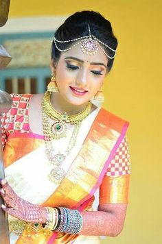 How To Clean Gold Jewelry With Vinegar Bridal Silk Saree, Bridal Mehndi, Tamil Wedding, Wedding Bride, Wedding Bells, Wedding Dresses, Telugu Brides, Bridal Makeover, Hindu Bride