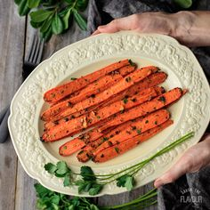Balsamic Roasted Carrots: an easy and healthy side dish recipe to serve for dinner tonight. Experience the health benefits of this simple dish that is also perfect for Easter or family gatherings. Even picky eaters will enjoy eating them. | www.savortheflavour.com #carrots #veggies #recipe #easter #spring