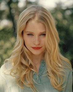 Emilie de Ravin  is an Australian actress and best known as Tess Harding on Roswell  Claire Littleton on the ABC drama Lost.