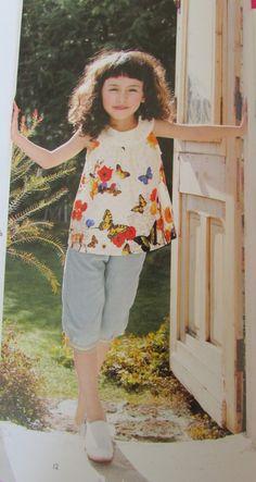 """Livre """"petites filles a croquer"""" modèle F blouse sans manche et modèle G pantacourt"""