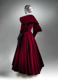 Charles James (American, born Great Britain, 1906–1978). Evening coat, 1949. The Metropolitan Museum of Art, New York. Brooklyn Museum Costume Collection at The Metropolitan Museum of Art, Gift of the Brooklyn Museum, 2009; Gift of Arturo and Paul Peralta-Ramos, 1954 (2009.300.791)