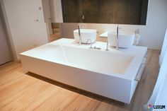 Modern Bathtub, Modern Bathroom, Bathroom Toilets, Washroom, Built In Bathtub, Shelf Furniture, Ral Colours, Corian, Flooring