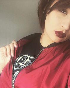 L'amour pousse au suicide.#girl #makeup#kiko #plug #girlwithplug #piercing #instasize #igerclermontferrand  #metalgirl #blackmetal #photography #instamood #body  #pale#heavymetal #hair #purplehair #instamoment #student #picoftheday #myprotein #myproteinfr #fitgirl #likeforlike #life #lifestyle #grunge #fitness #follow #follower