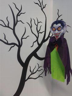 Guirnaldas de vampiros para esta temporada de #Halloween2013 #DecoracionesHalloweenMedellin