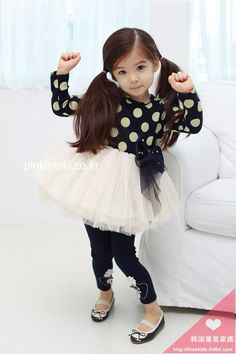 This outfit is so adorable~ so is she! Little Kid Fashion, Baby Girl Fashion, Toddler Fashion, Cute Fashion, Kids Fashion, Half Asian Babies, Cute Asian Babies, Cute Babies, Girls Characters