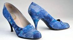 Roger Vivier - Christian Dior - Escarpins 'Effet Marbré' -  1958-59 Chaussures Roger Vivier, Roger Vivier Shoes, 1950s Fashion, Blue Fashion, Fashion Shoes, Vintage Fashion, Ringo Starr, Vintage Boots, Mode Vintage