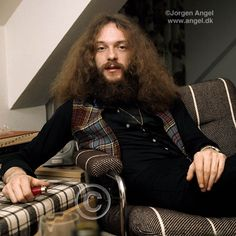 Jethro Tull / Ian Anderson King Crimson, Jethro Tull, Rock Legends, Interesting Faces, Celebs, Celebrities, Classic Rock, Rock Music, Music Artists