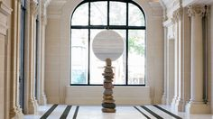 Peninsula Hotel, Paris, sculpture by Xavier Corbero.