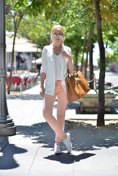 Henar Vicente of OhMyVogue wears a COS top, ZARA jeans and blazer, CONVERSE shoes, and PRADA bag. (July 1, 2014)