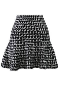You feel exciting every time you get dressed up in this skirt,which features houndstooth pattern,high waist design,frill hem and mini length. -80% Cotton,20% Polyester-Machine Washable Size(cm)  Length    Waist     S                   42        68   fits for US0/2 UK6/8 EU34/36 M       &n...