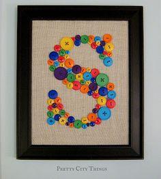 Qualquer cômodo de sua casa pode receber este artesanato com botões coloridos (Foto: livingprettyblog.com)
