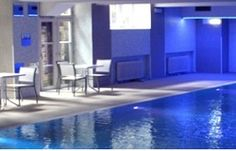 Berlin Family Hotels- Our picks of the best places to stay in Berlin with kids! Choose from holiday apartments and hotels! Berlin With Kids, Hostels, Holiday Apartments, Eurotrip, Cool Websites, Family Travel, Backpacking, The Good Place, Places To Go