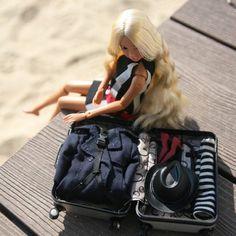 "K.H. Cha @tomatorism 4月18日  ""I'm traveling alone now."" #momokoph  #momoko #momokodoll"