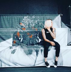 blonde hair kellin Anthem Made, Black Veil Brides Andy, Ronnie Radke, Falling In Reverse, Sleeping With Sirens, Of Mice And Men, Kellin Quinn, Andy Biersack, Theo James