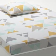Hilora Multi-Coloured Fitted Sheet