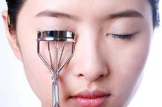 Asian Makeup: How to Combat Straight Eyelashes