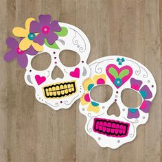 Here Comes Halloween: Dia de Los Muertos Sugar Skull Inspired . pre cut out flowers for the kids to add to their masks Holidays Halloween, Halloween Crafts, Halloween Decorations, Halloween Party, Day Of The Dead Mask, Day Of The Dead Party, Diy And Crafts, Crafts For Kids, Arts And Crafts