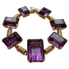 A smart yellow gold and amethyst bracelet. The warm yellow gold bracelet with seven deeply saturated purple amethysts ranging in size from 21 x Jewelry Sites, Jewelry Art, Silver Jewelry, Vintage Jewelry, Fine Jewelry, Vintage Items, Jewellery, Amethyst Armband, Amethyst Bracelet